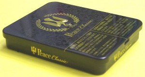ピースの平型缶